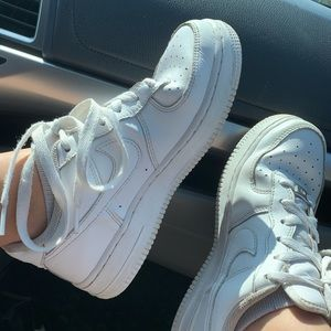 WHITE AIR FROCE 1s